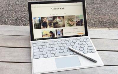 「Surface Pro 4(サーフェス プロ 4)」と「Alcantara(アルカンターラ)」タイプ カバーが新相棒に