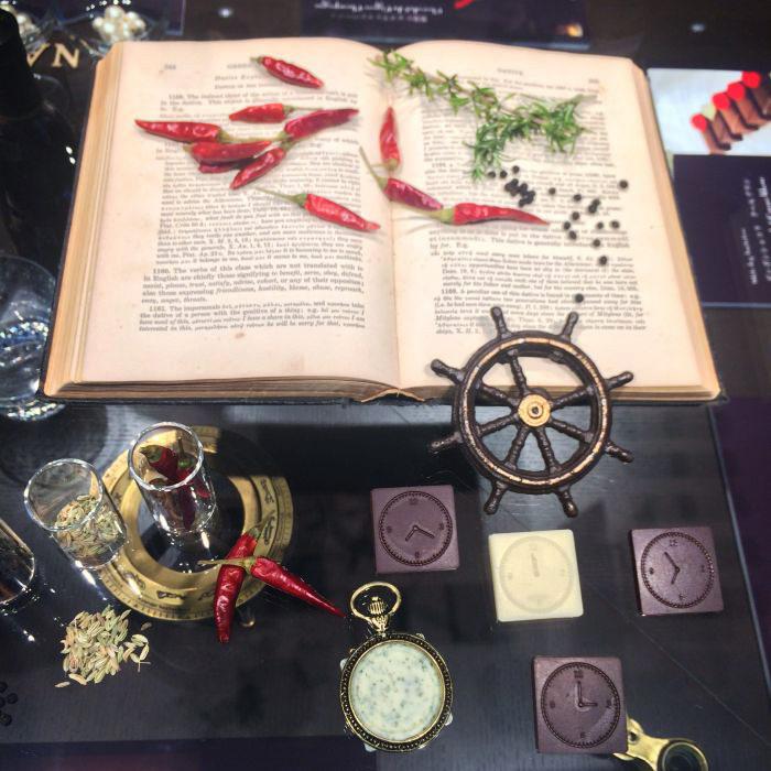「JOHN KANAYA(ジョンカナヤ)」の2017バレンタインショコラ&2016クリスマスタルト