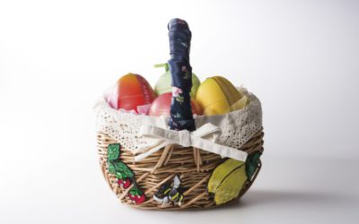 「MUVEIL(ミュベール)×新宿高野」コラボ、かごバッグに果実ゼリーを詰めた「母の日ギフト」発売