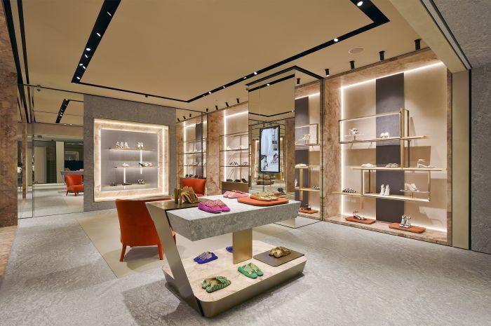 「Sergio Rossi(セルジオ ロッシ)」、「GINZA SIX」内に新店舗オープン