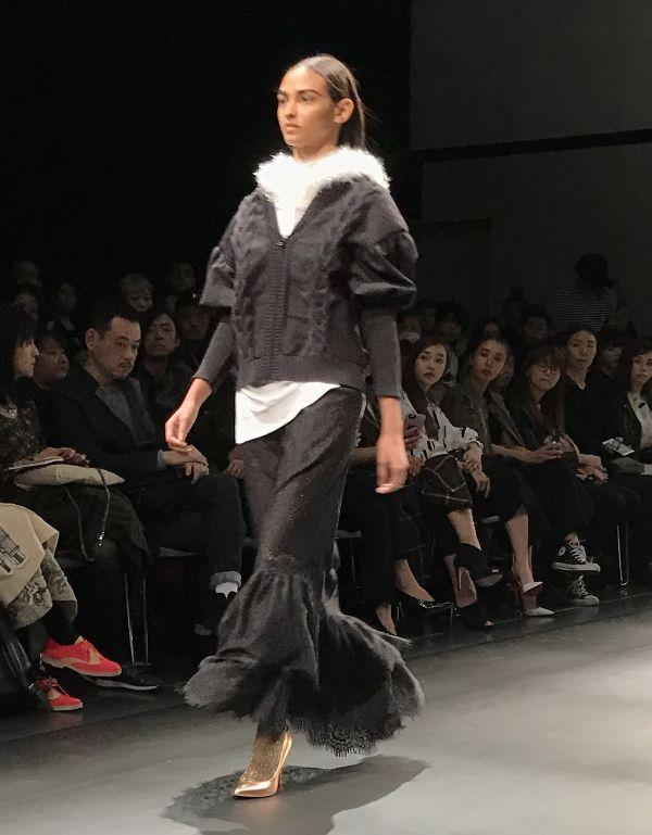 「AULA(アウラ)」2017-18年秋冬東京コレクション