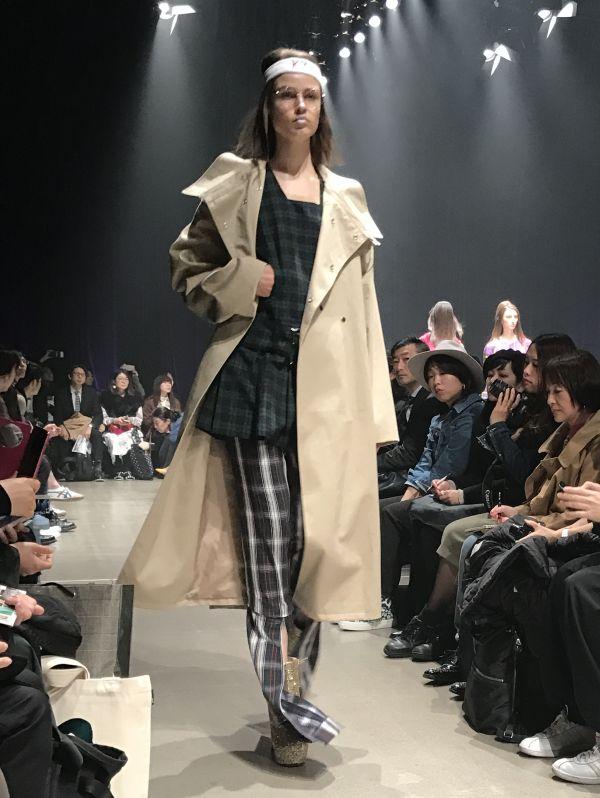 「KEISUKEYOSHIDA(ケイスケ ヨシダ)」2017-18年秋冬東京コレクション