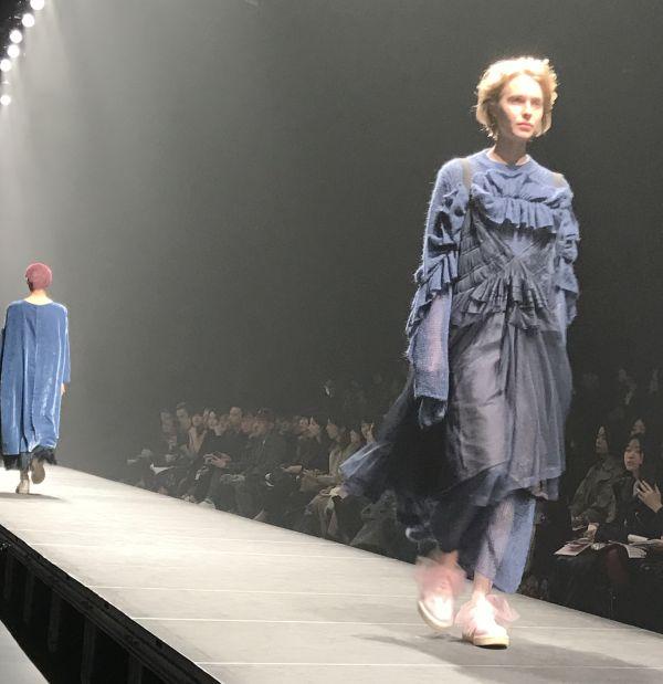 「Chika Kisada(チカ キサダ)」2017-18年秋冬東京コレクション