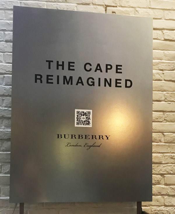 「BURBERRY(バーバリー)」のクチュールケープ展覧会「THE CAPE REIMAGINED」