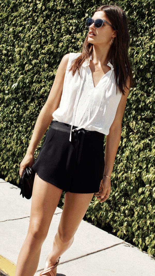 夏フェスファッションはフェミニンなムードを取り入れて