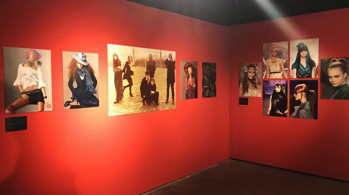 「ANNA SUI(アナ スイ)」の回顧展「The World of Anna Sui」展で感慨にふける