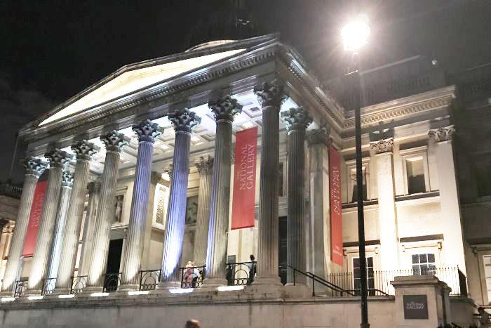 ロンドンで開催された「COS(コス)」10周年パーティーへ
