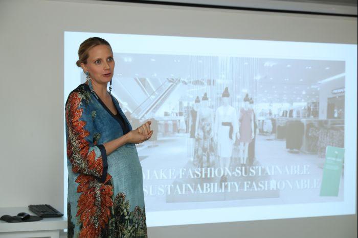 リサイクルとサステナビリティーの違いって? なぜ必要なの? 「H&M」香港ショールーム編