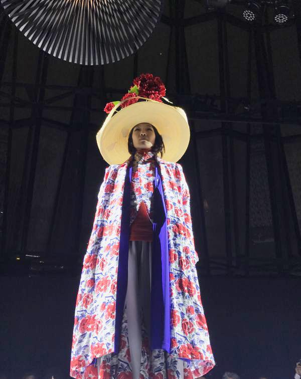 「matohu(まとふ)」展覧会「日本の眼・いき」@東急プラザ銀座「KIRIKO LOUNGE」 2018年春夏ショーが開催