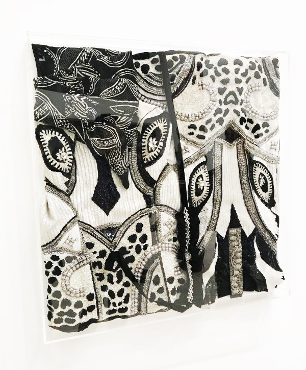コシノヒロコ 「衣の中に見る絵画」展