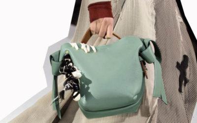 「Acne Studios(アクネ ストゥディオズ)」、新スタイルの「Musubi Bag」を発売