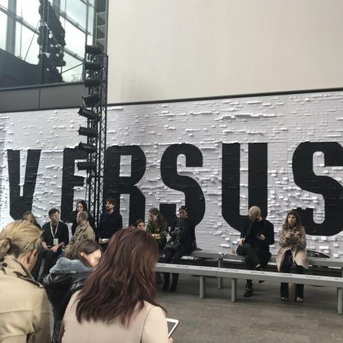 VERSUS VERSACE(ヴェルサス ヴェルサーチ)2018年春夏ロンドンコレクション