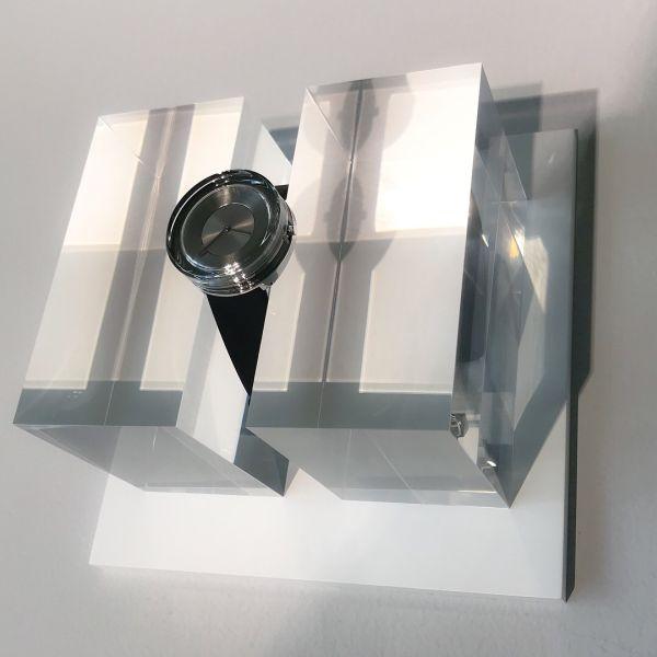 「吉岡徳仁 光とガラス」展 ISSEY MIYAKE「ガラスの時計」も登場