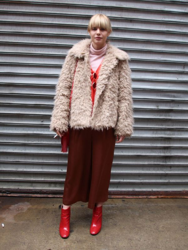 「エコファー」コートでつくるお手軽グラマラススタイル