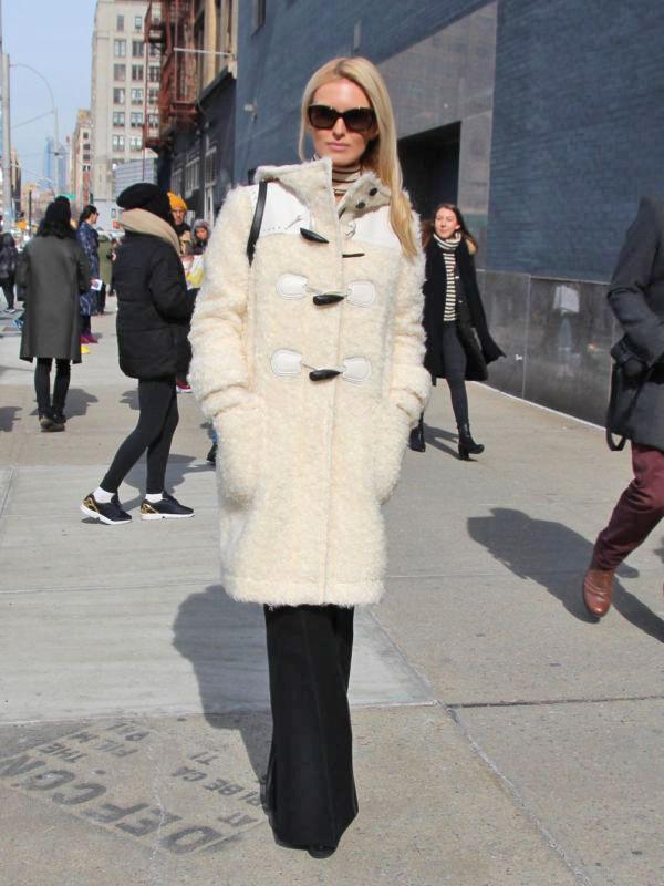 初売りセールで買うコートは「定番×ひと癖」が正解