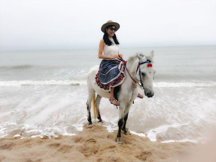 タイ「ホアヒン→バンコク」で冬休みを満喫 ビーチで乗馬も体験