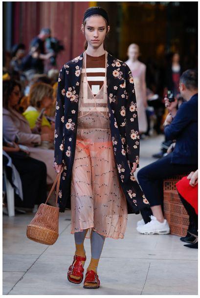 2018年はフェミニンに進化したアスレジャーファッションに注目