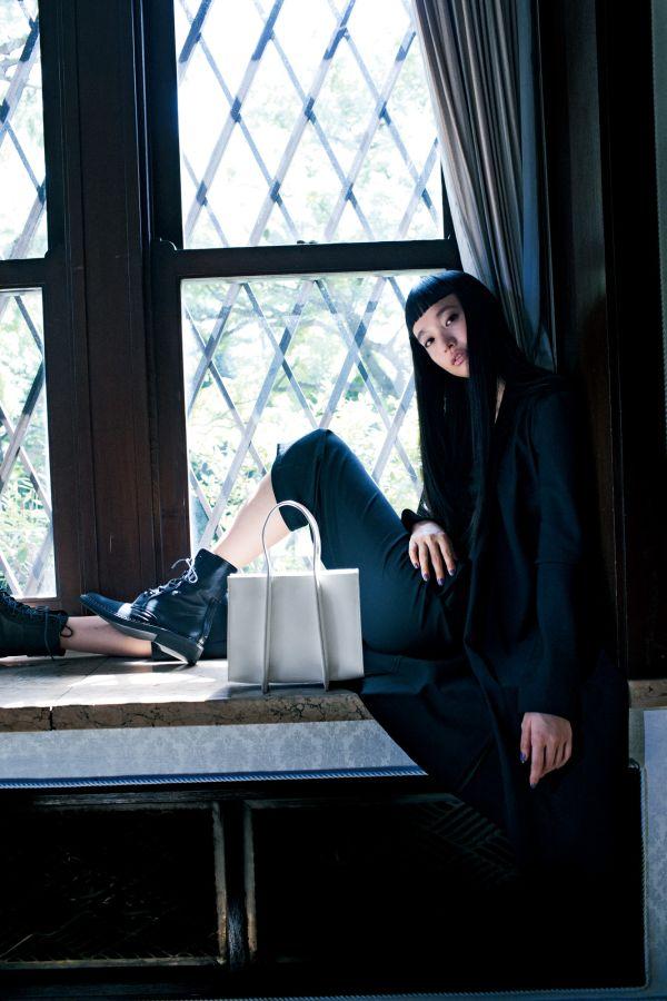 「ディスコード ヨウジヤマモト」、蜷川実花氏が撮ったビジュアルと共に2018年春夏新作が発売開始