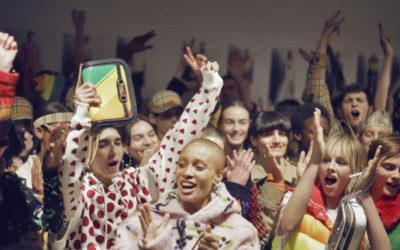 2018-19秋冬ロンドンコレクション【前編】~バーバリーの虹色チェック、ロンドンのテーマは「多様性」