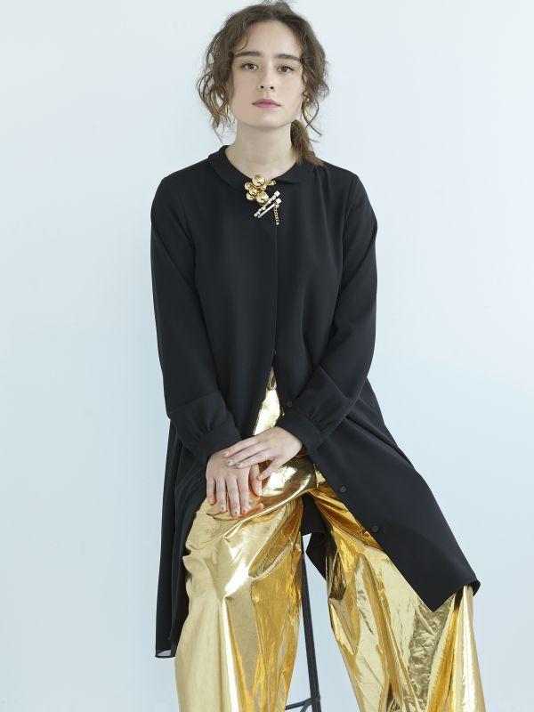 春の着こなし 華やかなボリュームジュエリーで完成~petite robe noire(プティローブノアー)の新作~