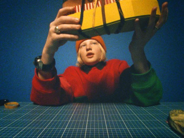 「Acne Studios(アクネ ストゥディオズ)」新作スニーカーを発表、デザイナー親子の映像も公開