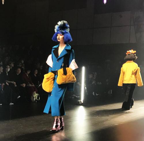 VIVIANO SUE(ヴィヴィアンノ スー)2018-19年秋冬東京コレクション 中島美嘉さんがモデルとして登場