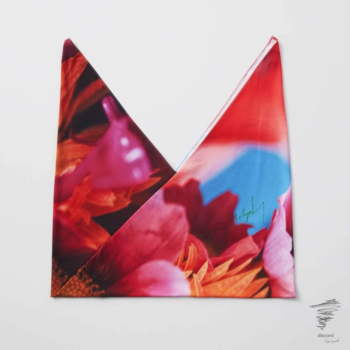 「discord Yohji Yamamoto」、蜷川実花氏の写真を配したカプセルコレクションを発売