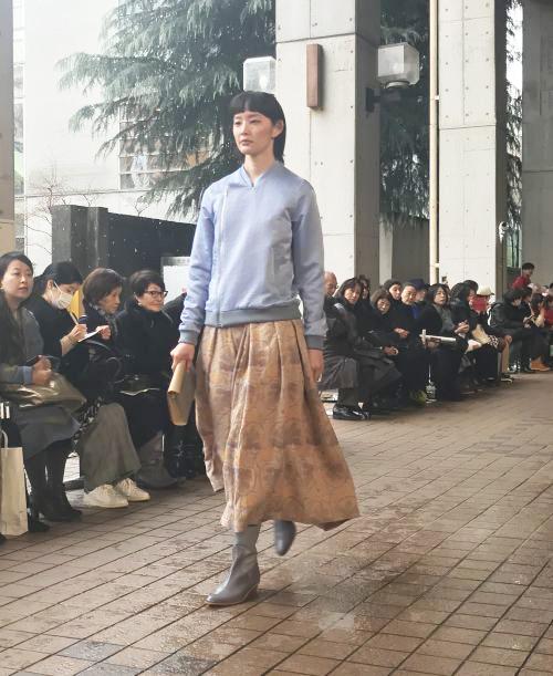 まとふ(matohu)2018-19年秋冬東京コレクション