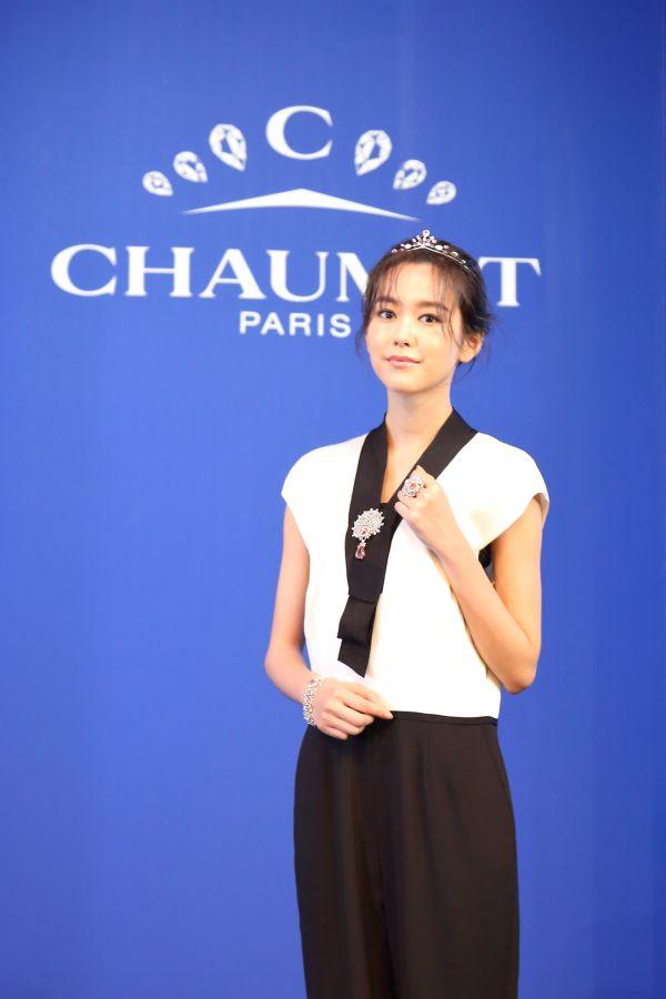「ショーメ 時空を超える宝飾芸術の世界」展の開幕イベントを開催 桐谷美玲さんが豪華ジュエリーを身につけて登場