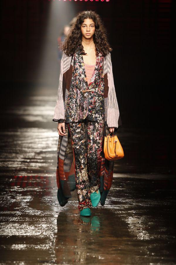 女優ケイト・ブランシェット、映画『オーシャンズ8』のプレミア上映で「MISSONI(ミッソーニ)」着用