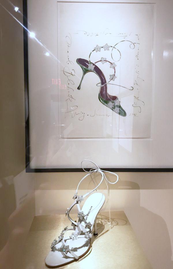 カナダ・トロントで靴専門の博物館「Bata Shoe Museum」を訪問 「マノロ ブラニク」の展覧会が開催中