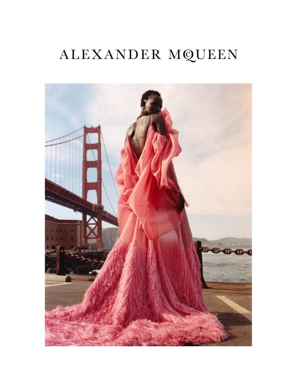 「ALEXANDER McQUEEN(アレキサンダー・マックイーン)」、2018-19年秋冬シーズン向けのキャンペーンビジュアルを発表