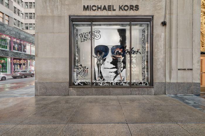 MICHAEL KORS(マイケル・コース)、落書き(グラフィティ)風のカプセルコレクションを発売