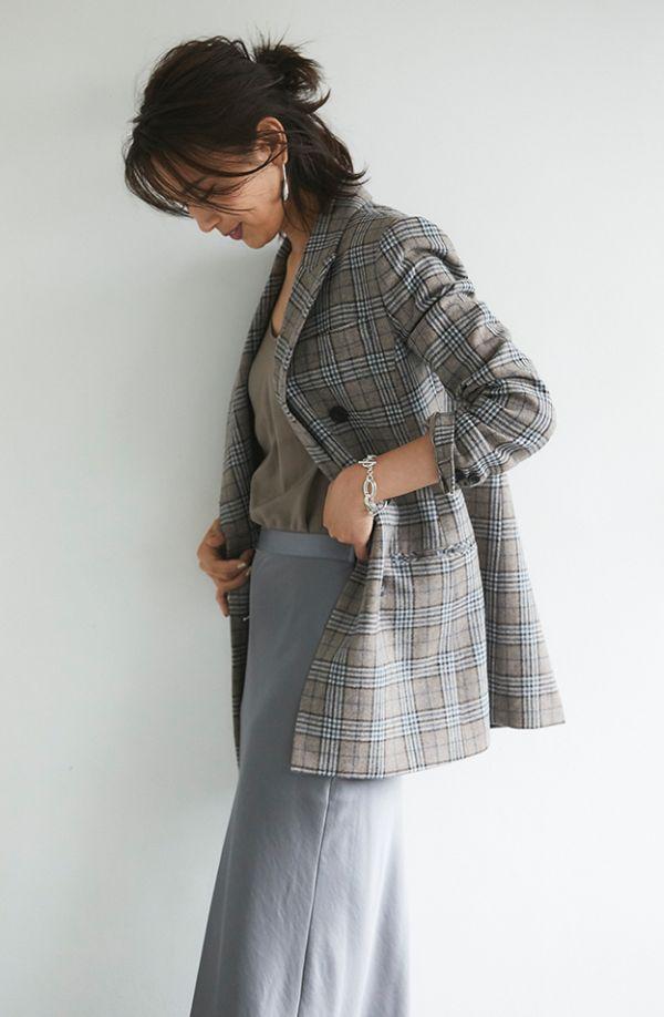 大人女性の新定番、ダブルブレストジャケットの着回し術