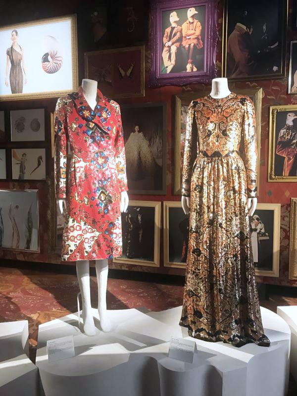 「エトロ(ETRO)」、50周年で初の展覧会開催 ペイズリー柄にオマージュ