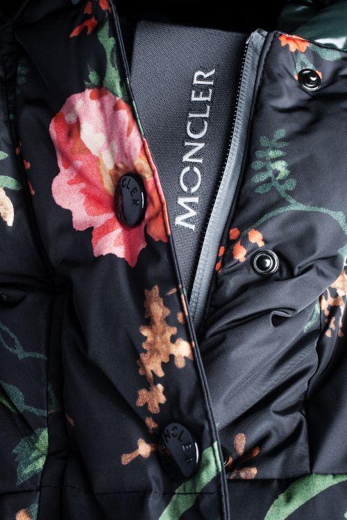 第8弾の「3 Moncler Grenoble(モンクレール グルノーブル)」コレクションは11月1日発売
