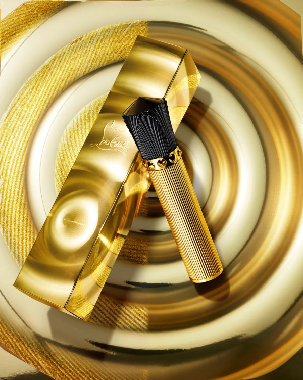 「Christian Louboutin(クリスチャン ルブタン)」、ホリデー限定品のゴールドマニア コレクション4アイテムを発売
