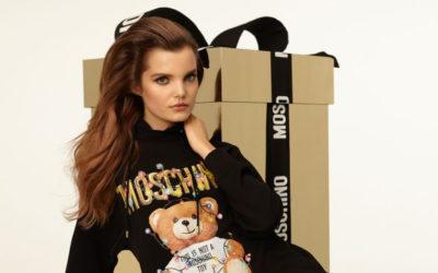 「MOSCHINO(モスキーノ)」、ホリデー限定コレクションを発売