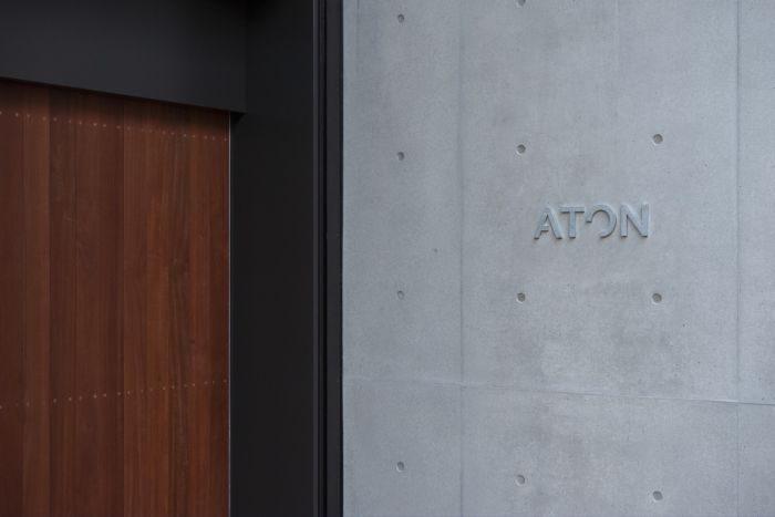 「ATON(エイトン)」、初の直営路面店を東京・青山にオープン