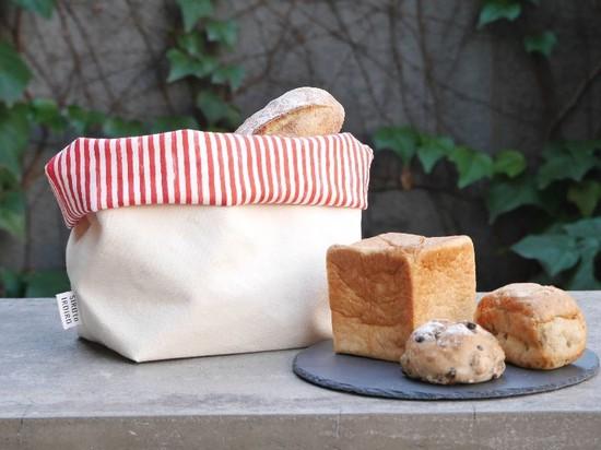 カフェに行くならタンブラー、パン屋行くなら「パンブラー」?