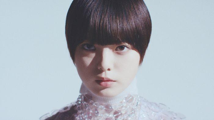 「ANREALAGE(アンリアレイジ)」、コンセプトムービーを公開 2019年春夏新作コレクションのイメージを表現 欅坂46の平手友梨奈さんが出演