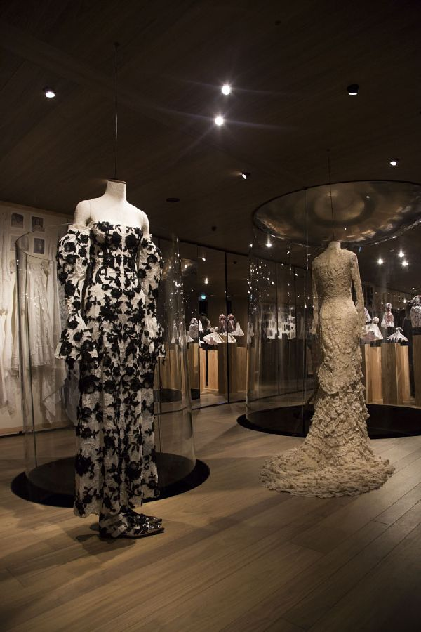 「Alexander McQueen(アレキサンダー・マックイーン)」ロンドン旗艦店にクリエイティブな体験のできる空間がオープン