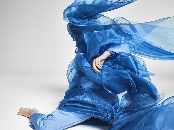 透け感やつやめきで軽やかフェミニンに 「forte_forte(フォルテ フォルテ)」、2019年春夏コレクションの広告キャンペーンビジュアルを発表