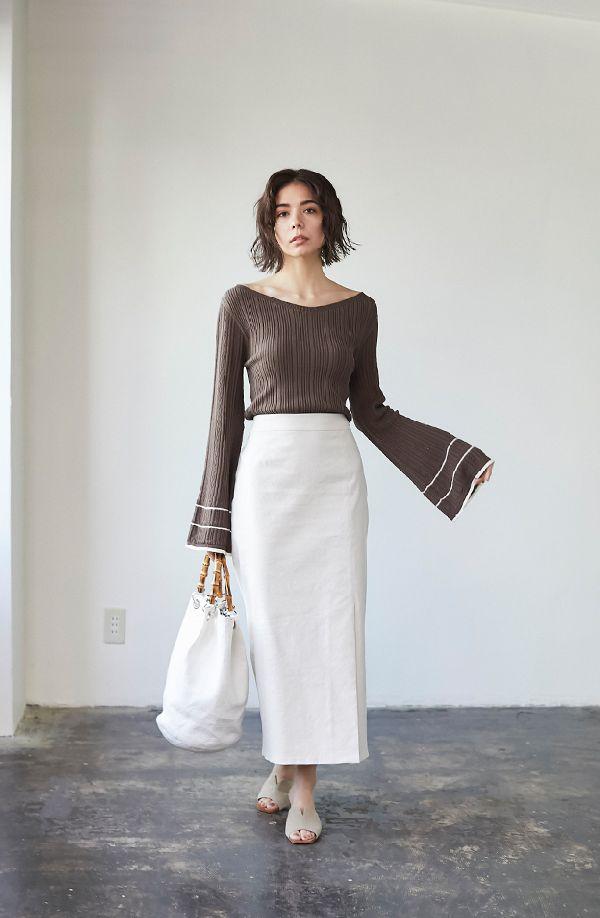 きちんと感とフェミニンを両立 「ロングタイトスカート」着こなし術