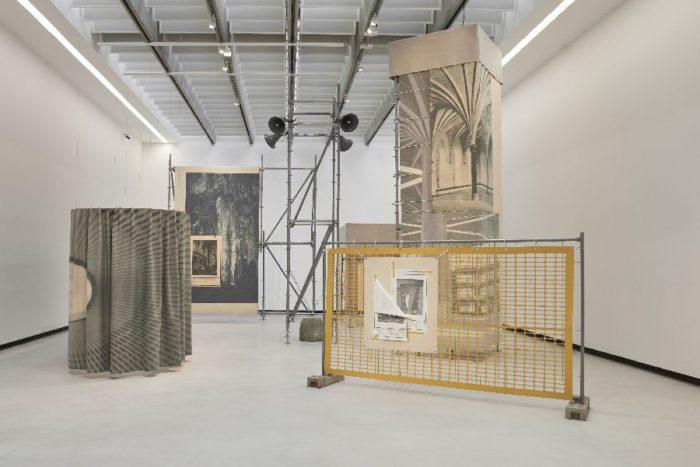アルカンターラ®×ローマ21世紀芸術国立美術館のコラボレーション