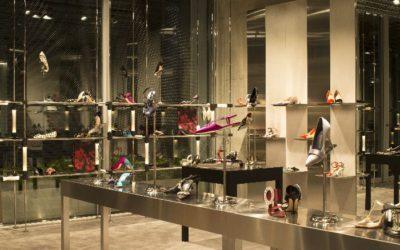 「Manolo Blahnik(マノロ ブラニク)」初の旗艦店が東京・表参道にオープン メンズシューズも展開