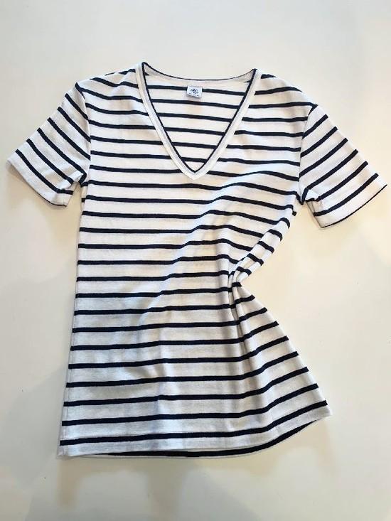 1枚で着ても、重ねても女らしく決まるのがプチバトー「マリニエールボーダーT」のいいところ