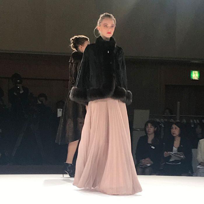 「CHIE IMAI(チエ イマイ)」、2019-20年チャリティコレクションを発表
