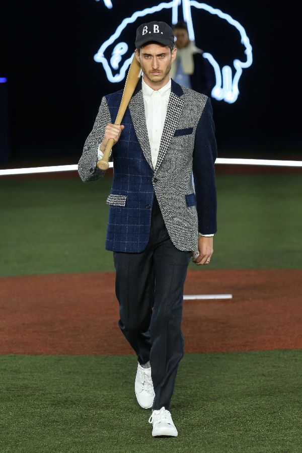 Brooks Brothers(ブルックス ブラザーズ)、日本初のランウェイショーを開催 野球とトラッドをミックス
