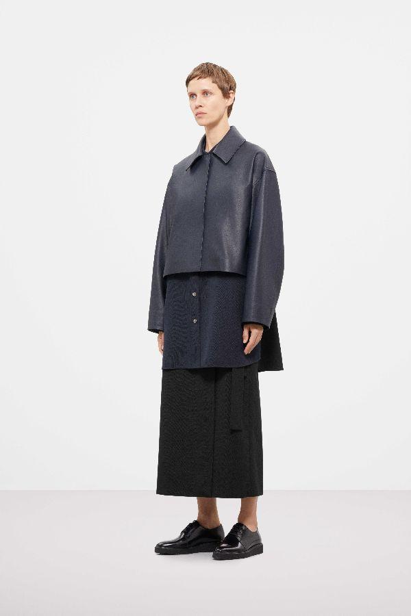 「COS(コス)」、2019-20年秋冬コレクションを発表